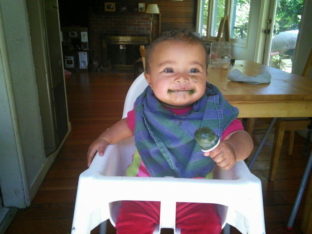 бебе и храна спирулина