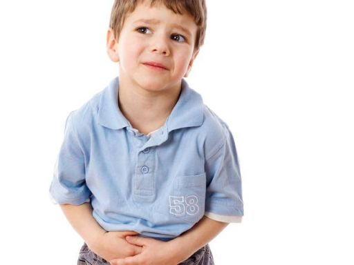 дете с болки в корема