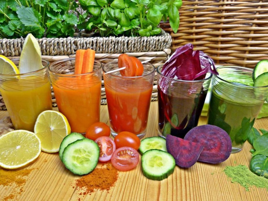 течен-детокс-с-алкални-плодове-и-зеленчуци